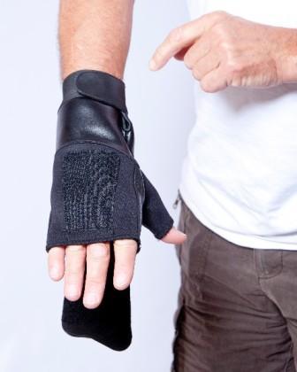 aga30-fingerless-mitten-right-1w