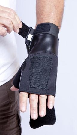 aga308-fingerless-mitten-left-1w