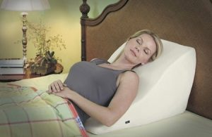contour-back-wedge-massage-pillow-4