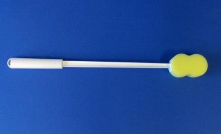 ergonomic-long-handle-bath-sponges-5