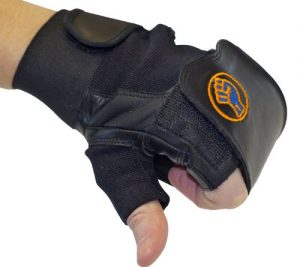 gripeeze-sports-glove-left