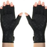 thermoskin-arthritis-gloves